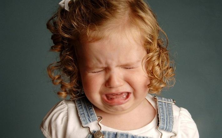 Детская истерика: как побороть