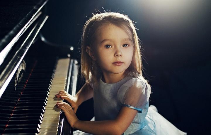 ребенок в музыкальной школе