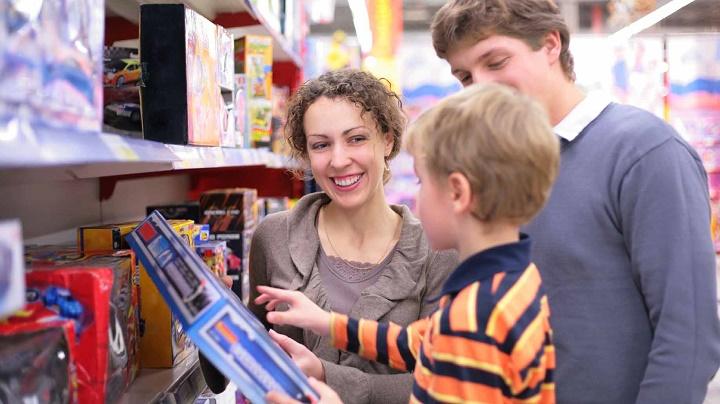 как не вырастить из ребенка потребителя