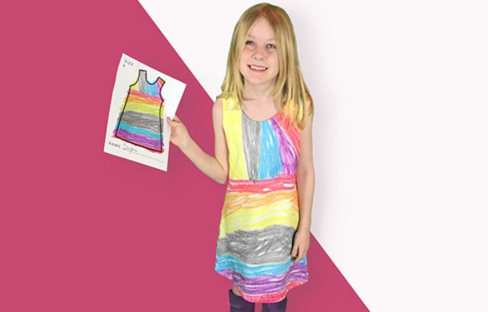 Джейми Ньюберри шьёт платья с детскими рисунками