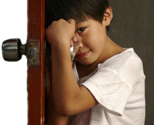 ребенок за дверью