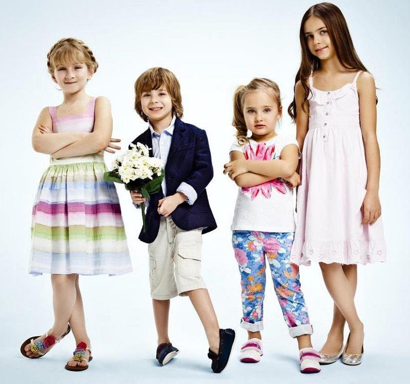 дети в красивой одежде