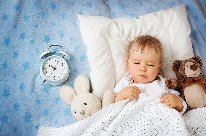ребенок спит самостоятельно