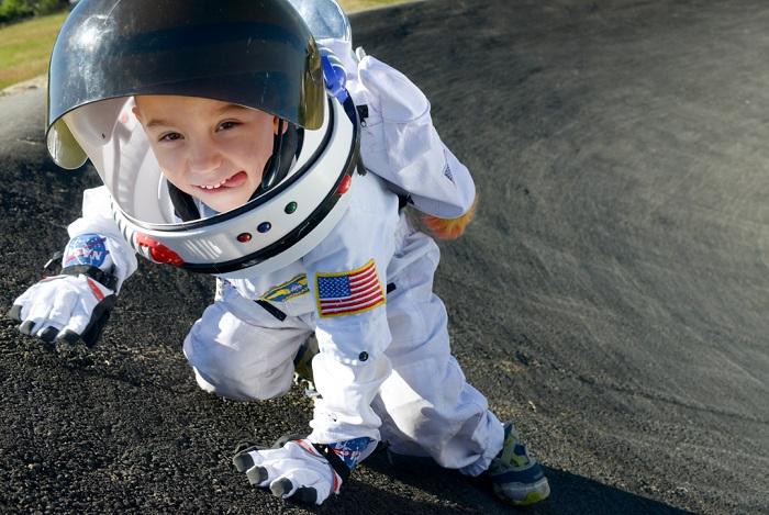 мальчик в космосе фото