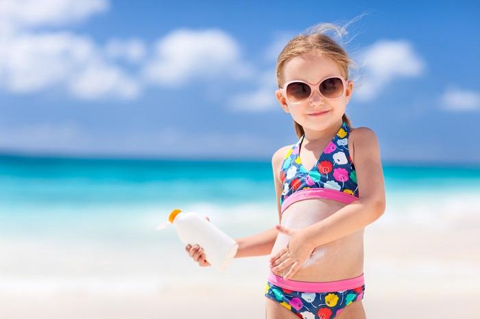 ребенок в купальнике фото