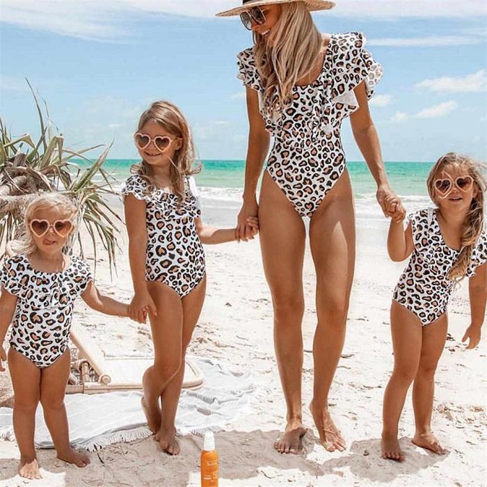family look на пляже фото