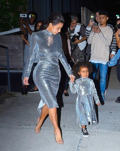 Ким Кардашьян с дочерью фото